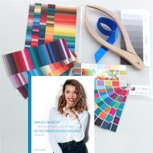 boek en materialen imagestyling voor studenten schoonheidsverzorging